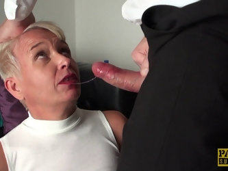 Fucking on the bed with mature wife Scarla Swallows ends with a facial