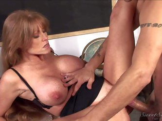 Mature teacher Darla Crane with amazing huge boobs is a sex obsessed cougar, Experienced woman gives blowjob to hot dude and then gets her hairless ma