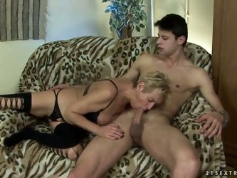 This blonde granny Autumn Leaf has the strong passion for young and pretty boys. Entertaining with one dude she sucks the hard piston and also gets th