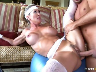 Naughty fitness trainer Keiran Lee makes blonde Brandi Love suck his huge dick after work out. He plays with her big tits and licks her wet holes. The