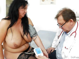 Old whore Robislava is at her doc for a medical examination. The guy takes her pressure and then, puts her to lay on her back. It seems, that Robislav