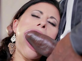 Brunette wife lands entire black man's huge dick up her cheery