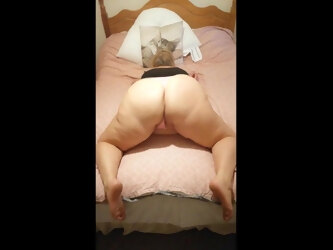 Twerking in my pink thong, big BBW ass in the air dancing
