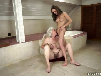 Old-young sex between Vicky Braun and Norma is always something interesting to watch, this old but experienced granny knows exactly how to please the