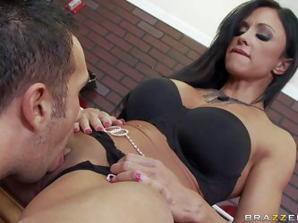 Long legged MILF Jewels Jade in sexy shoes strips down to her black lingerie and spreads her legs in front of Jewelery Store owner Keiran Lee. He etas