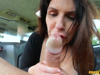 Seasened snatch Josephine James pays for the ride with fucking
