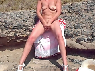 Dogging and Other Public Outdoor Clips