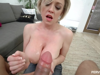 Stud with a massive dick films as he penetretes deep in Dee Williams