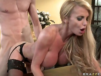 Jordan Ash has nice pounding with big boobed blonde bitch Taylor Wane. The blondie with massive juggs gives nice titjob before feeling dong into lusci
