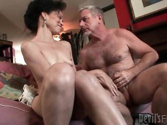 Mature slut gives head to big old man cock