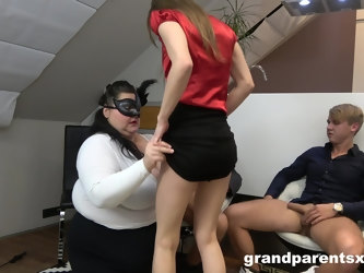 Wilf foursome sex on the floor with na old and a younger couple