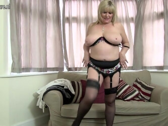 Hot British Housewife Shows Her Great Tits And Masturbates - MatureNL