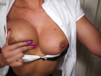 Horny British Milf Playing With Her Pussy - MatureNL