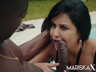 Mariska gets stuffed by black cock outdoors