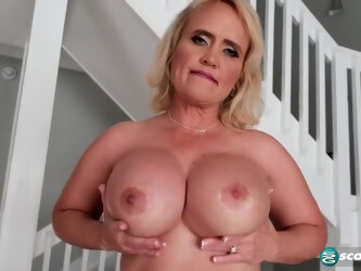 Amber Lace - A New Milf With An Amazing Ass