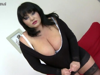 Big Breasted Housewife Playing With Her Toy - MatureNL